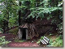 Meilerplatz mit Köhlerhütte